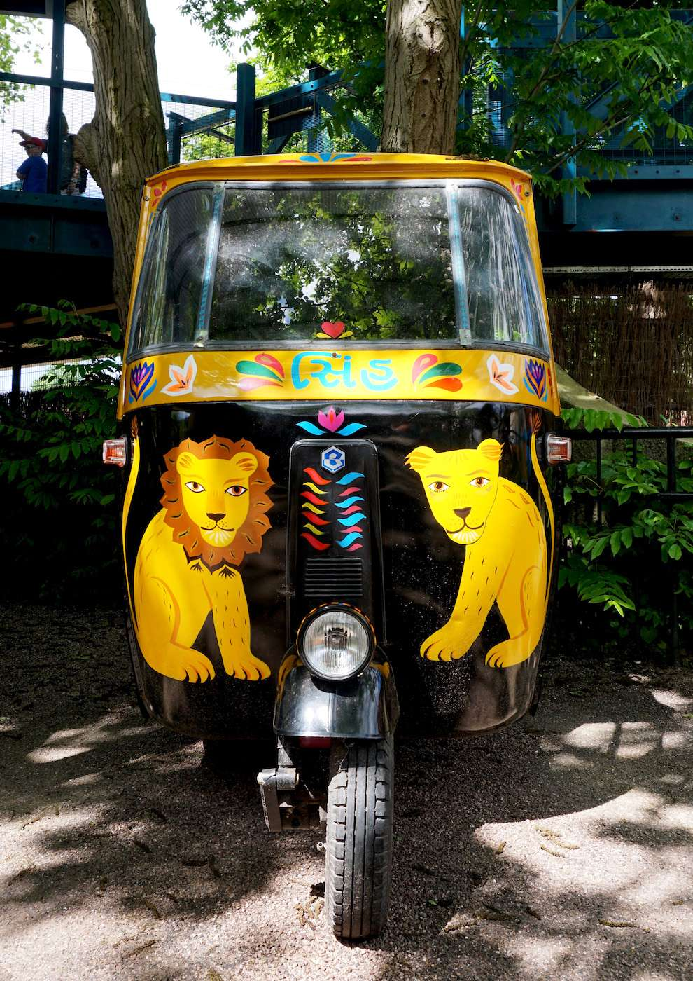 Margaux Carpentier, Hand painted auto rickshaw for London Zoo