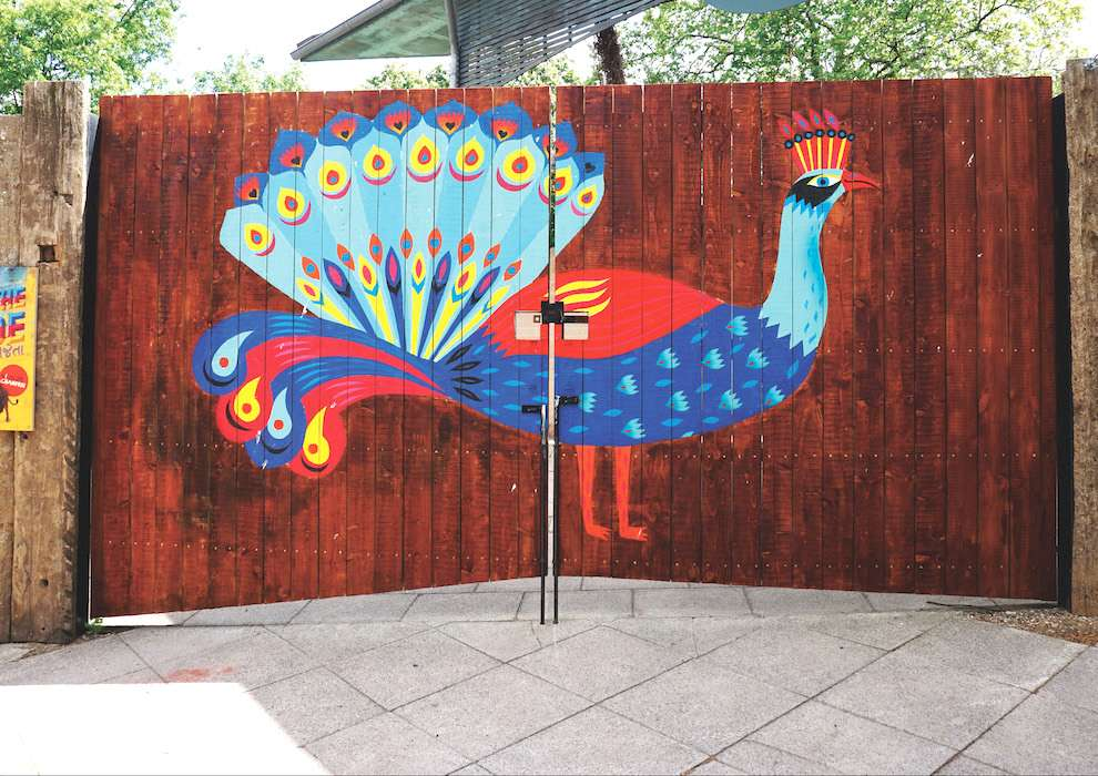 Margaux Carpentier, Handpainted portal of a peacock for the london zoo